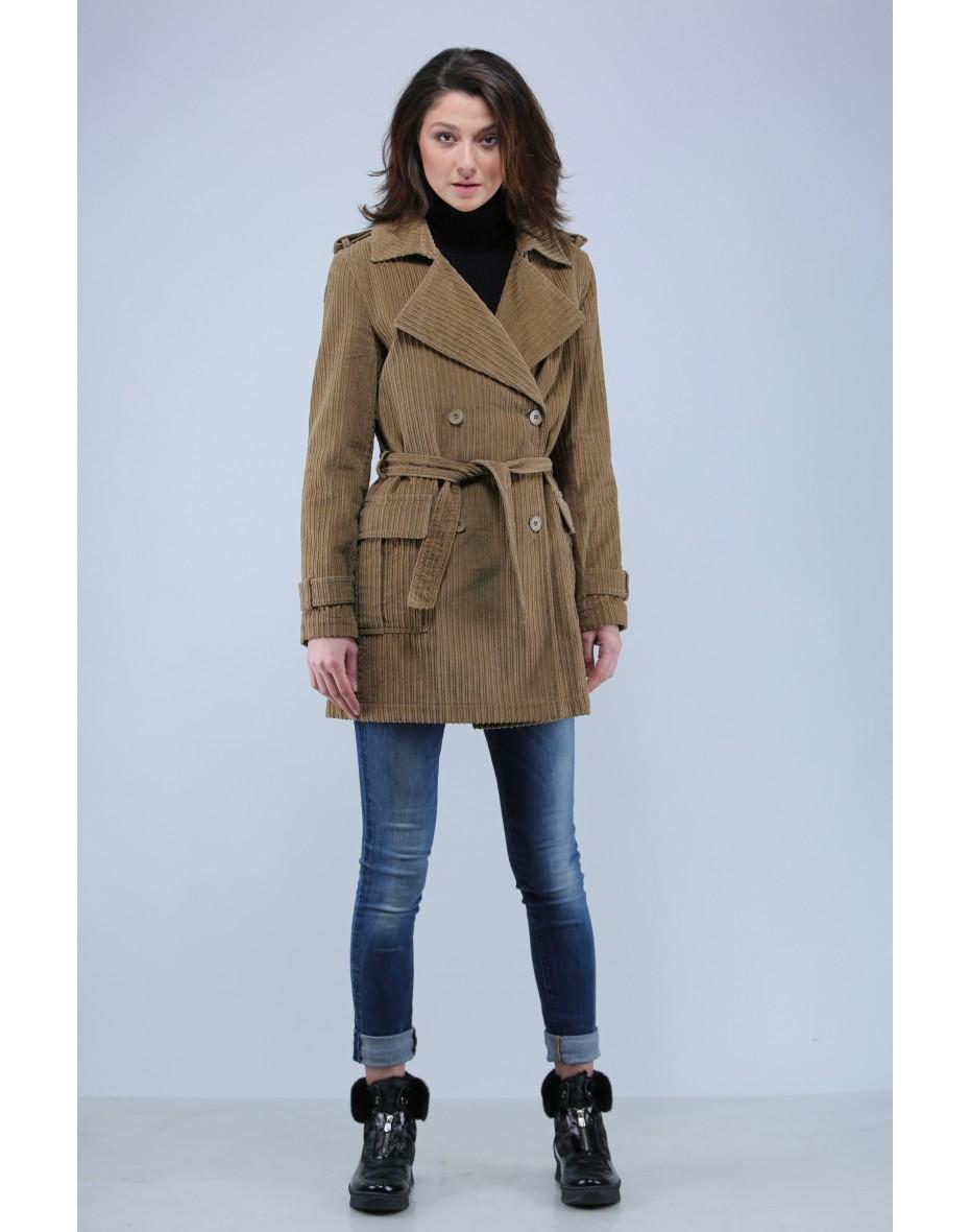 Дамско двуредно палто от кадифе