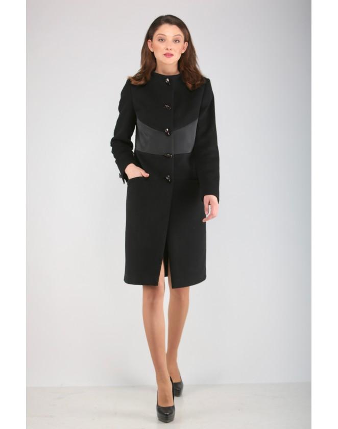 Елегантно дамско палто със сатенен детайл