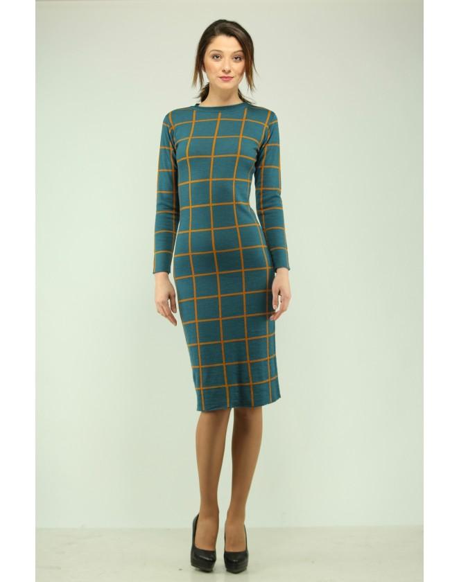 Дамска плетена рокля жакард каре